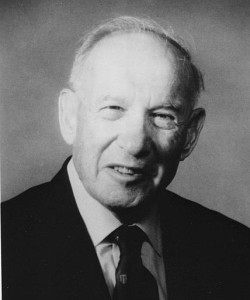 Peter F. Drucker of Marie Rankin Clark Professor of Social Science, the Claremont Graduate School. 1989 handout photo. (AP Photo/Claremont Graduate School)