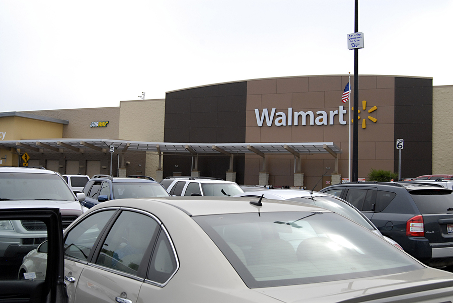 Esurance, Walmart Team Up for Auto Insurance Discount Program